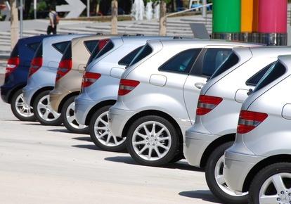 Auto mieten in Deutschland oder im Urlaub vor Ort