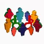 Rollstuhlfahrer integriert in Gruppe