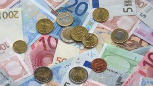 Euro Geldscheine und Geldstücke