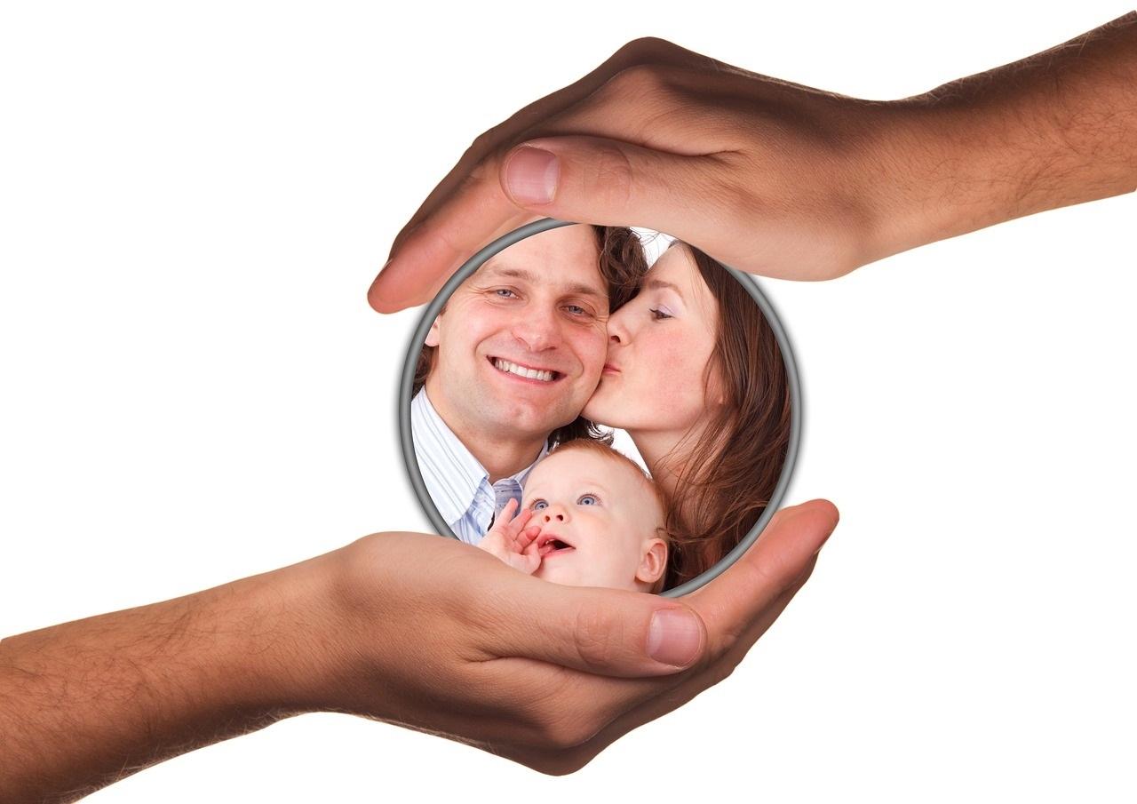 Sinnvolle Versicherungen für junge Familien