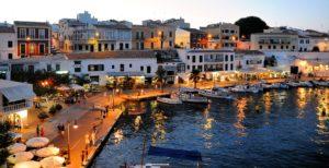 Ein Glückshotel auf Menorca finden, aber was sind Glückshotels?