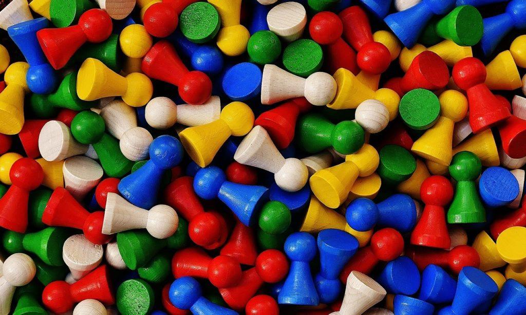 Spielsteine in verschiedenen Farben